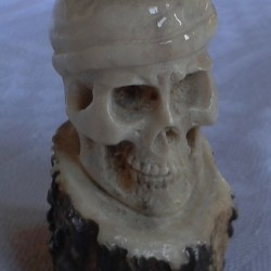 skull w-hat
